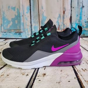 Nike Air Max Motion 2 Hyper Violet